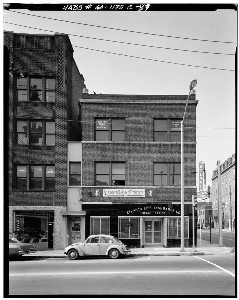 229 AUBURN AVENUE (Atlanta Life Building) NORTH ELEVATION. HABS No. GA-1170. Photo by James Lockhart.