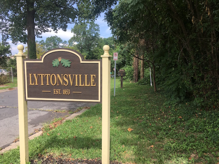 Lyttonsville's Talbot Ave. gateway, August 2016.
